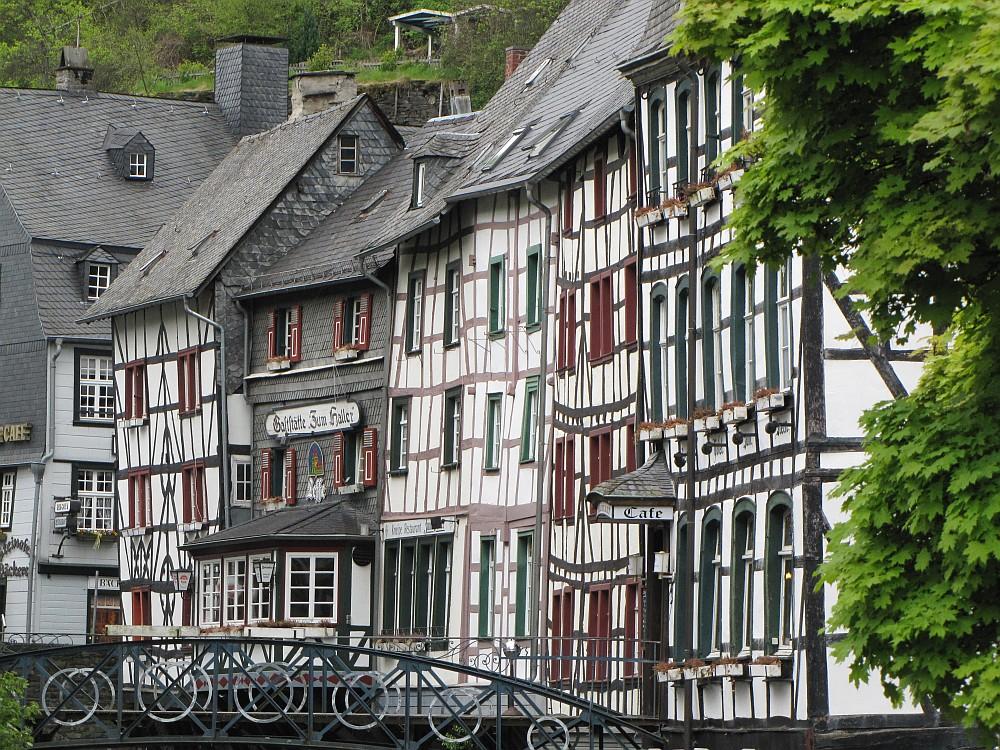De Eifelsteig vanuit Monschau