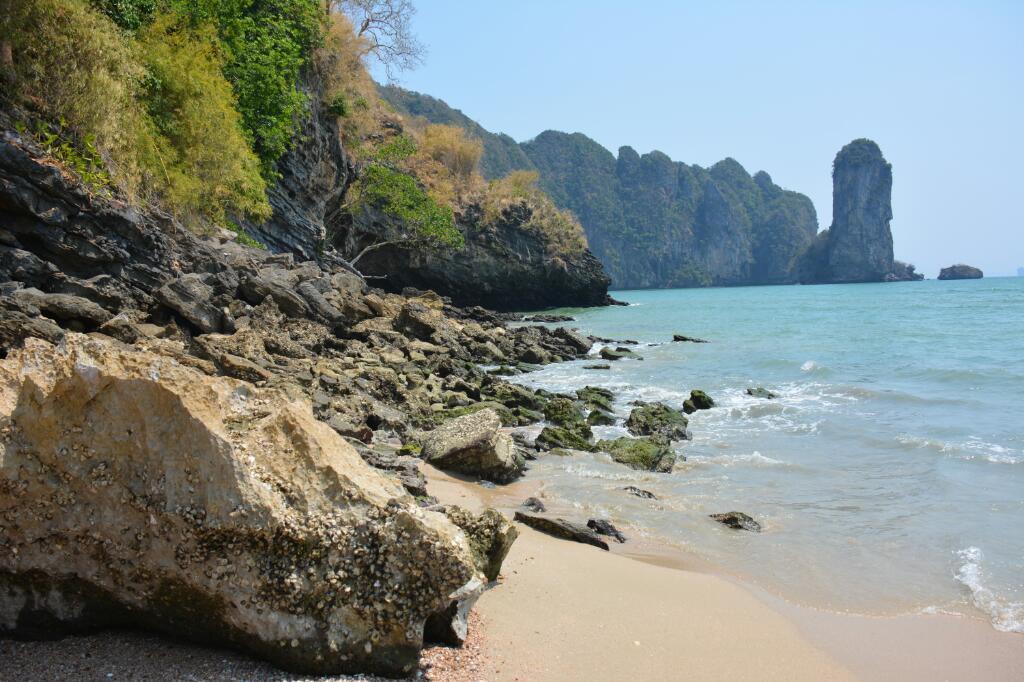 stranden bij Krabi Ao Nang Beach