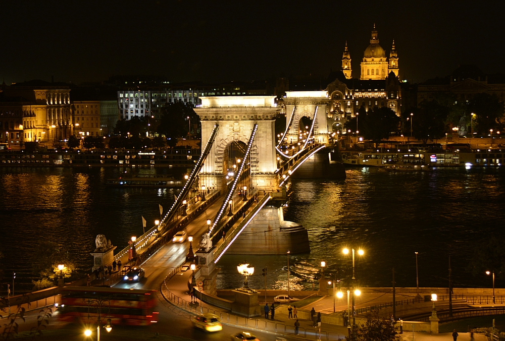 weekend Boedapest brug over de Donau