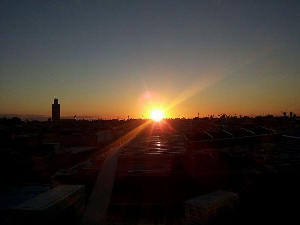zonsondergang Marrakesh, leven in Marokko