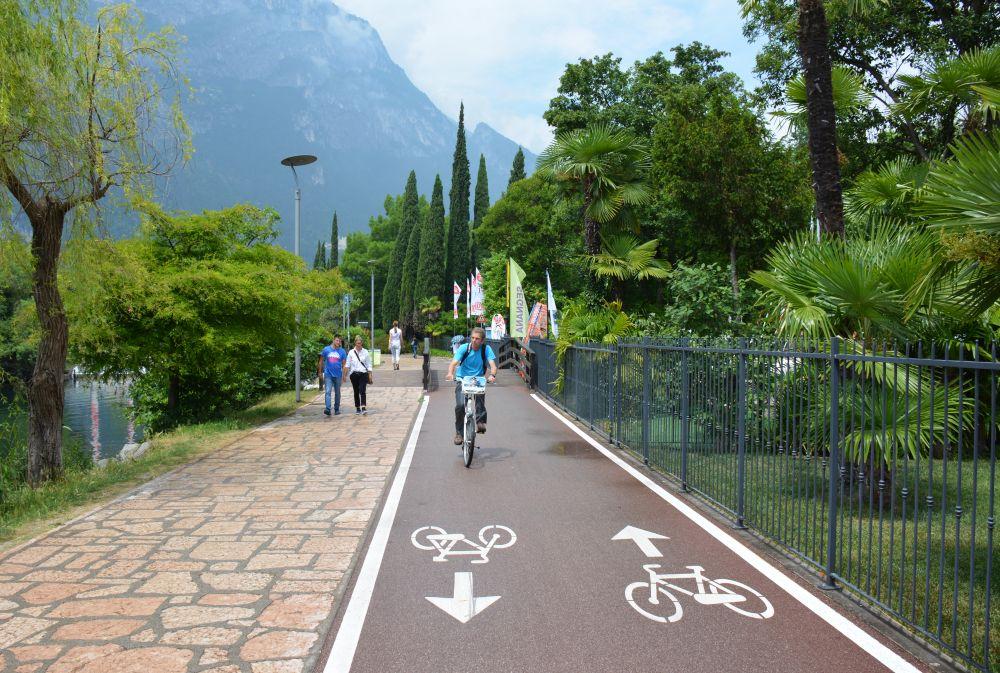 mooie fietsroute bij het Gardameer