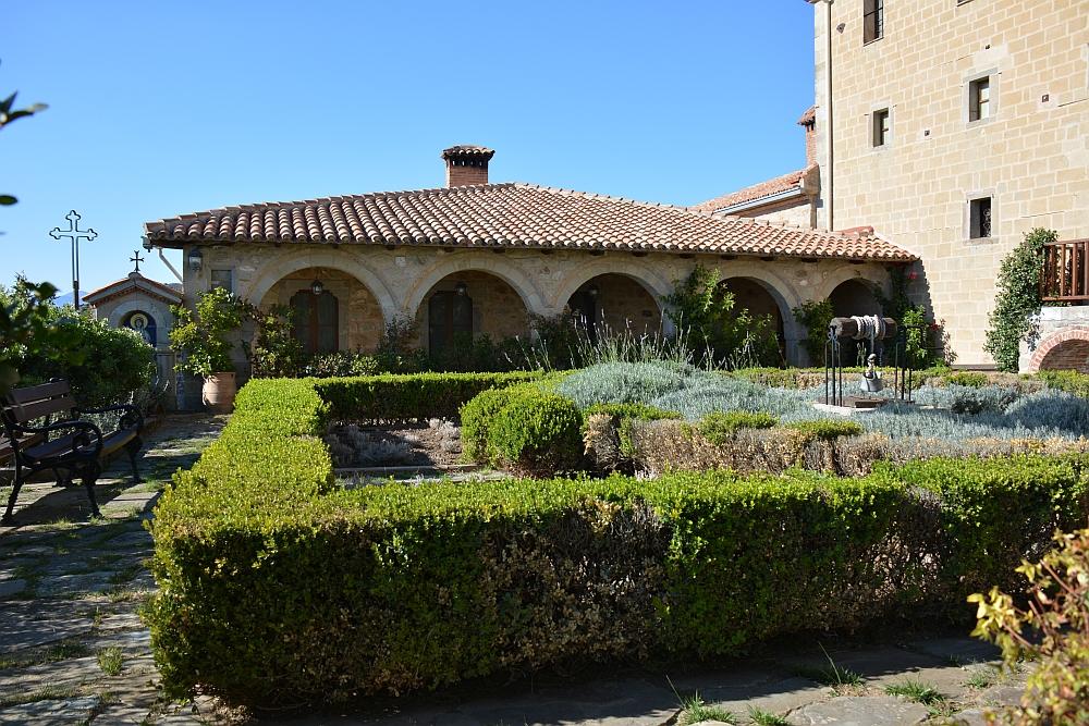 garden monastery agios stefanos Meteora