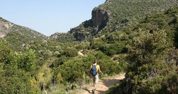 Wandlen Innen spaanse bureaucratie en wandelen in het grazalema park