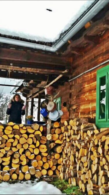 hot hakken voor de kachel, emigreren naar Roemenië