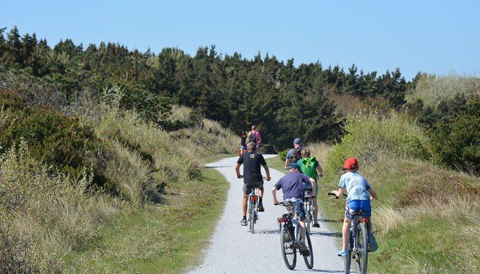 fietsen met kinderen op Ameland