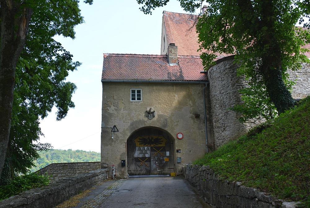 vakantiehuis in een kasteel Duitsland, oprijlaan Schloss Möhren