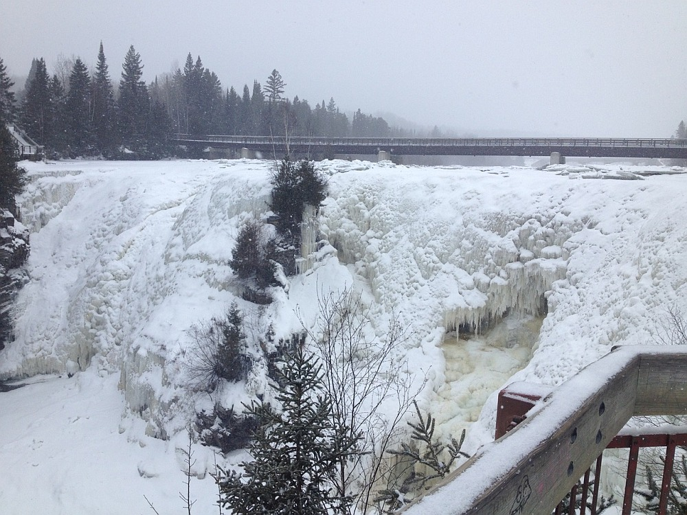 Kakabeka Falls in de winter