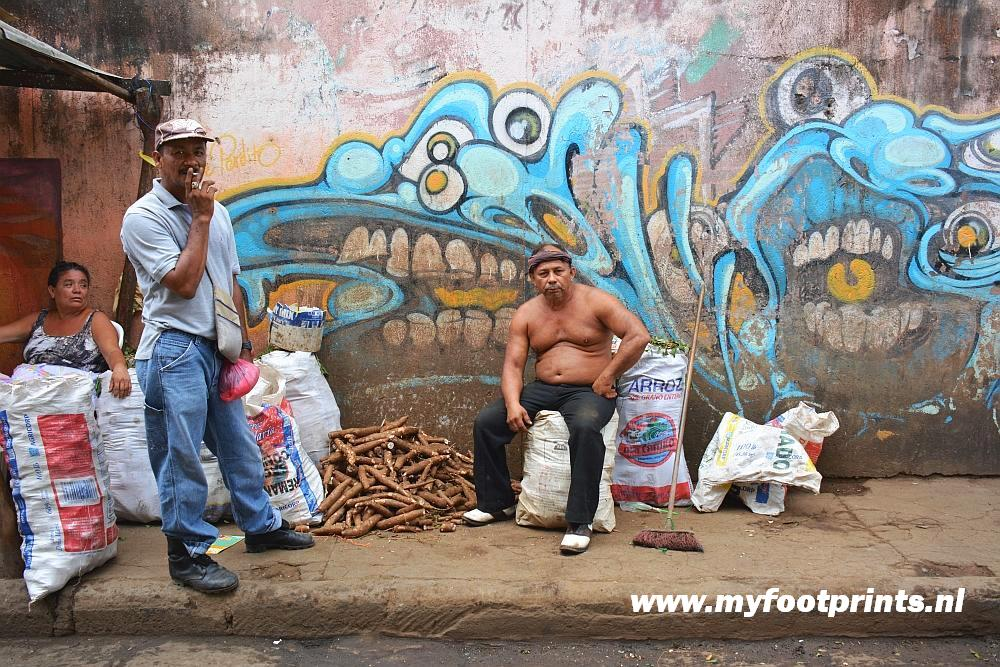 straatbeeld Granada Nicaragua