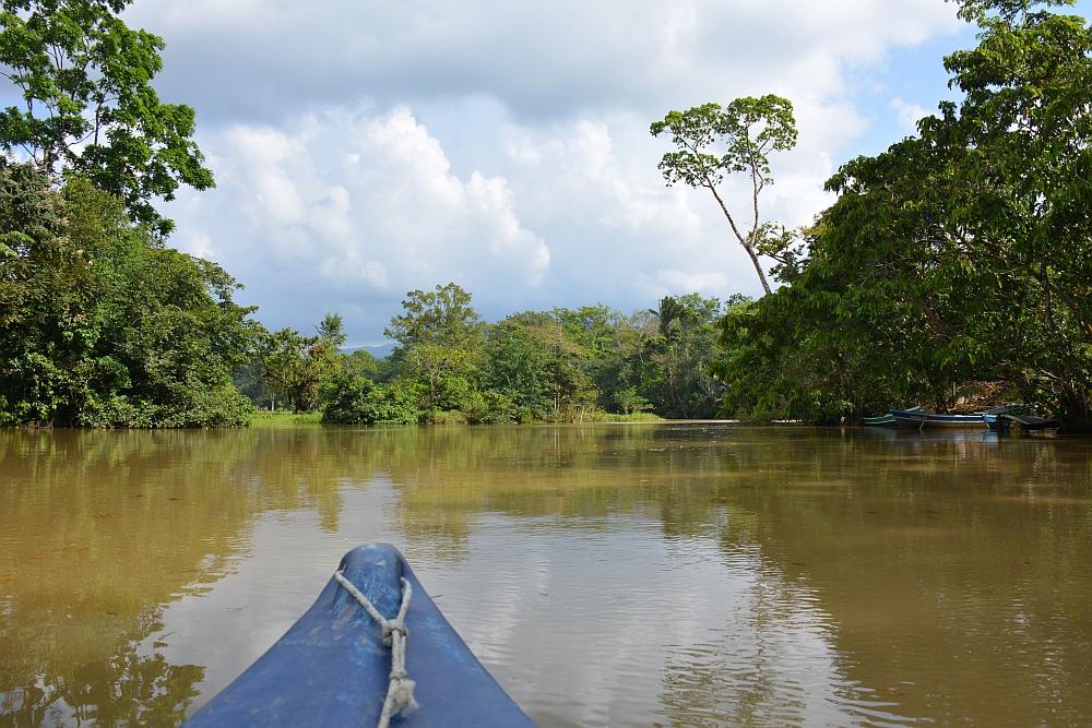 mooiste hotel aan de Rio Dulce kanovaren