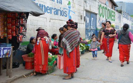 Van het gebaande pad in Guatemala Nebaj