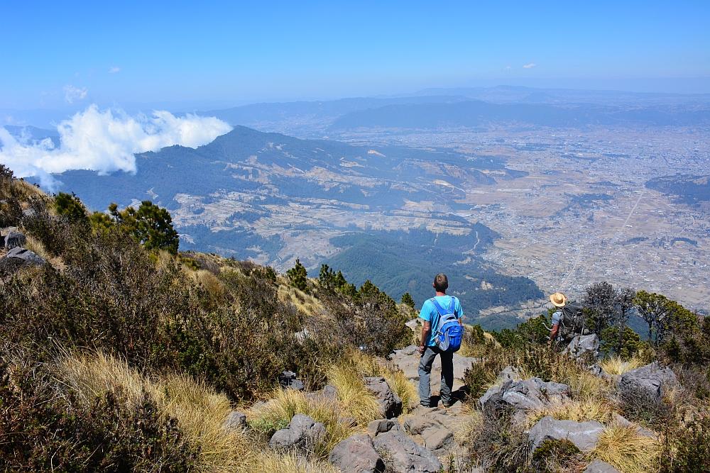 Van het gebaande pad in Guatemala hike Santa Maria Vulcano