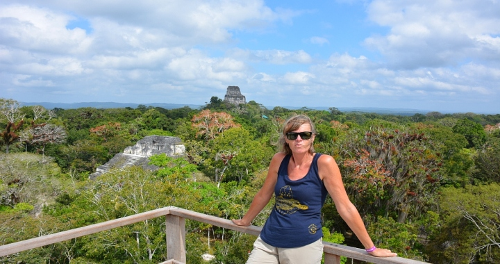 tempels van Tikal in Guatemala uitzicht
