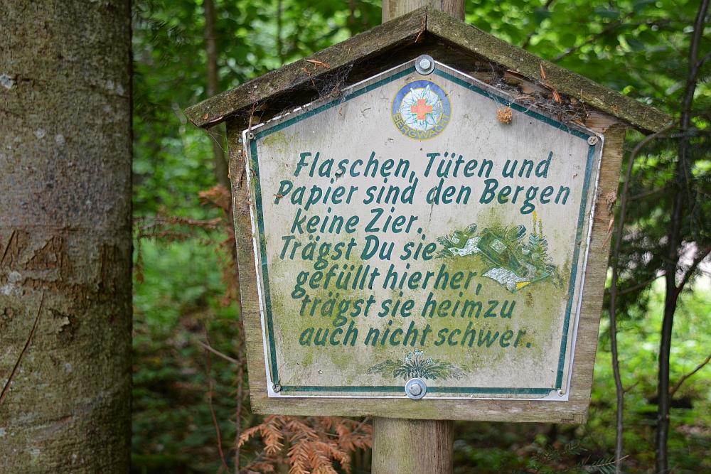 wandelen in de Beierse Alpen geen plastic bordje