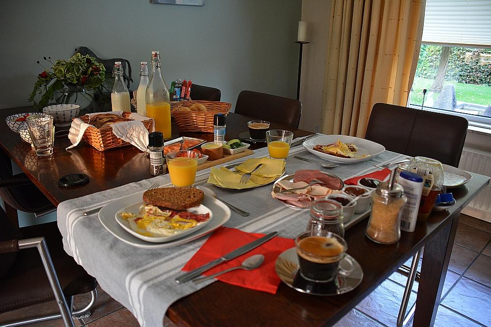 Bed & Breakfast Aan de Bagijnstraat ontbijt