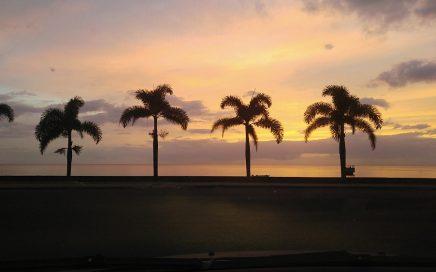 Leven op een Caribisch eiland Een van de vele prachtige zonsondergangen