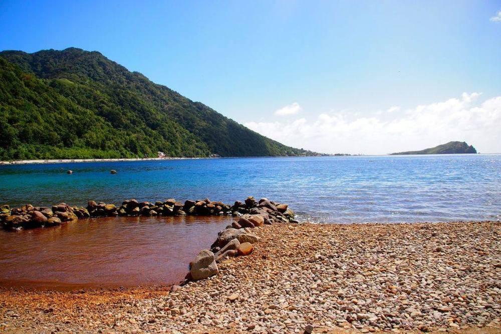 Leven op een Caribisch eiland Zwavelbad in de branding