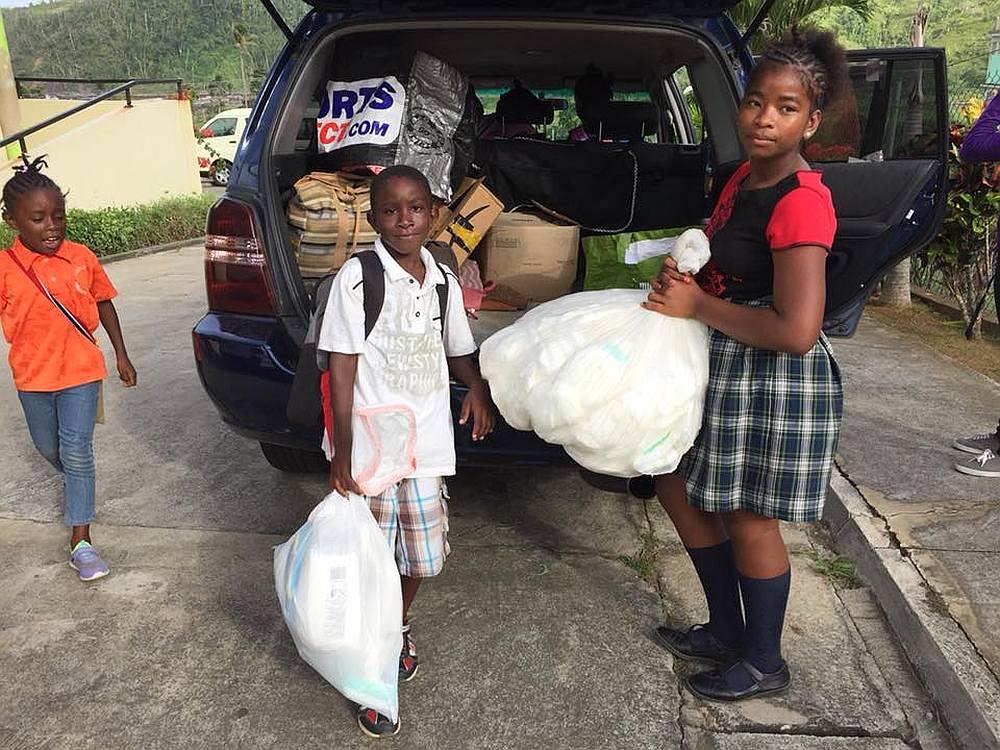 Leven op een Caribisch eiland hulpgoederen na de orkaan op Dominica