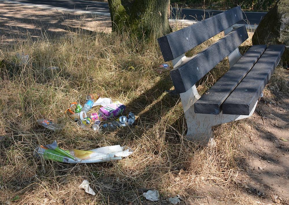 Walk of Wisdom van Malden naar Grave afval en bankje