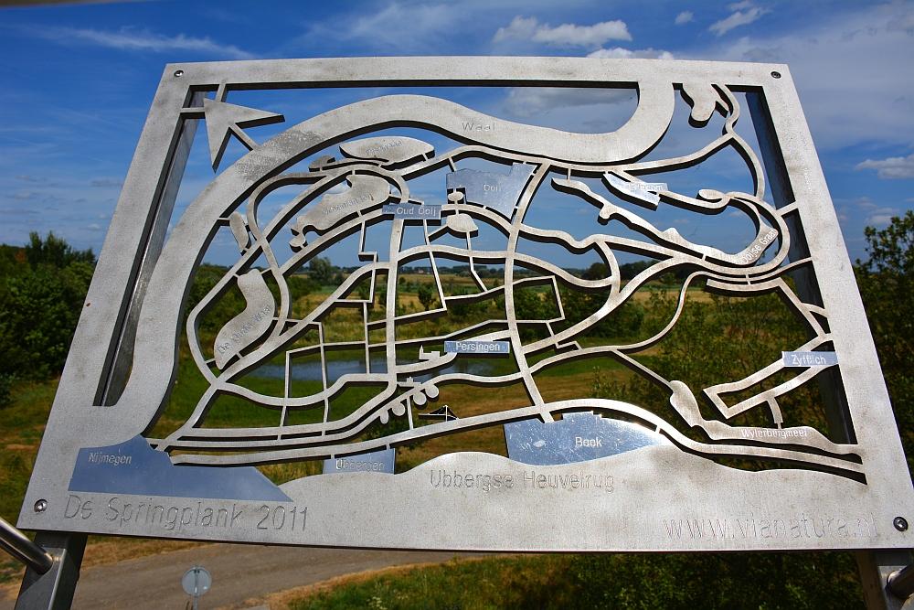 Walk of Wisdom van Nijmegen naar Groesbeek overzicht uiterwaarden Waal en Ooijpolder