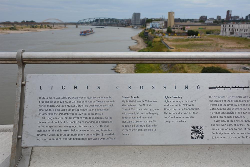 Walk of Wisdom van Winssen naar Nijmegen lights crossing