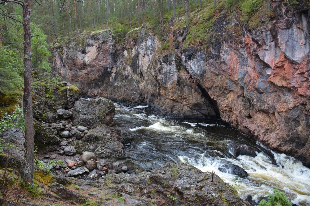 Wandelen in Finland Nationaal Park Oulanka Hidden Hurmos Trail Kiutaköngäs stroomversnelling