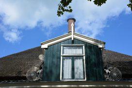 Karakteristieke krullen dak in Twisk