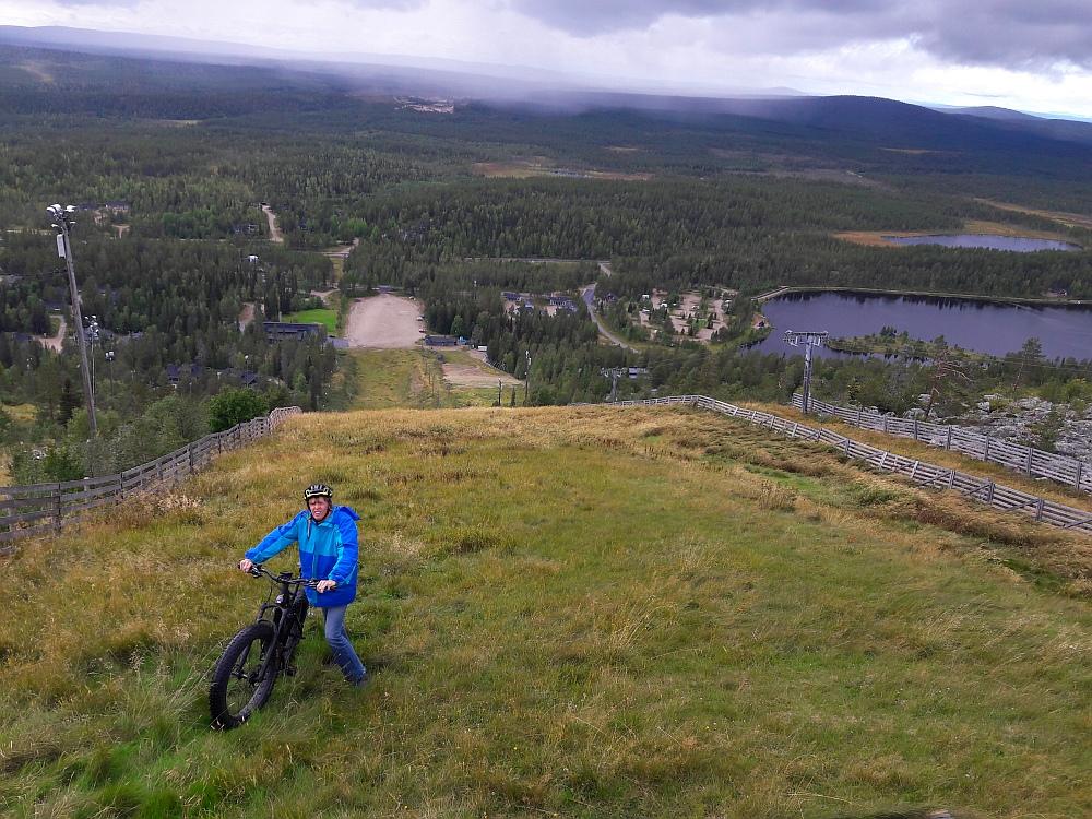 Steile afdaling Salla met elektrische mountainbike
