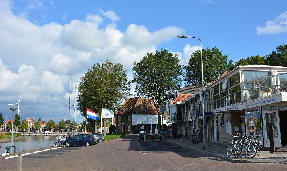 fietsroute rond Medemblik fietsverhuur Pekelharinghaven