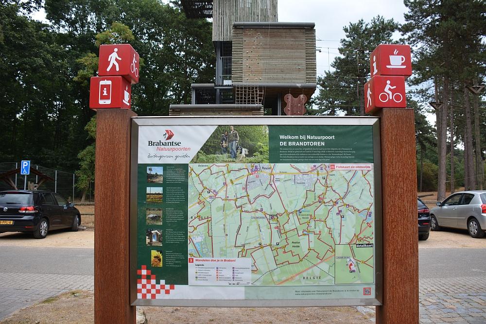 wandelen rond de Peelse heide natuurpoort De Brandtoren