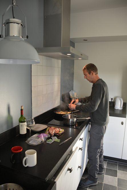 B&B Woonboerderij Dijkerhoek keuken van alle gemakken voorzen