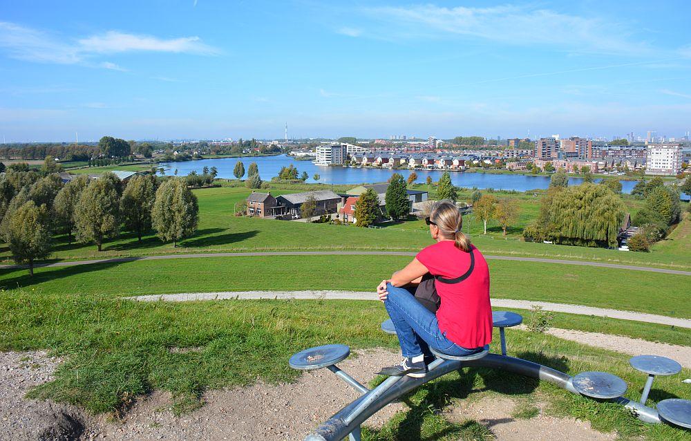 Maas en Vestingroute IJsselmonde uitzicht op Rotterdam
