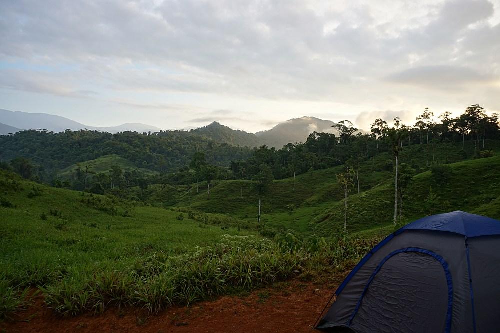 Anouk Pura Vida in Costa Rica wildkamperen in de bergen
