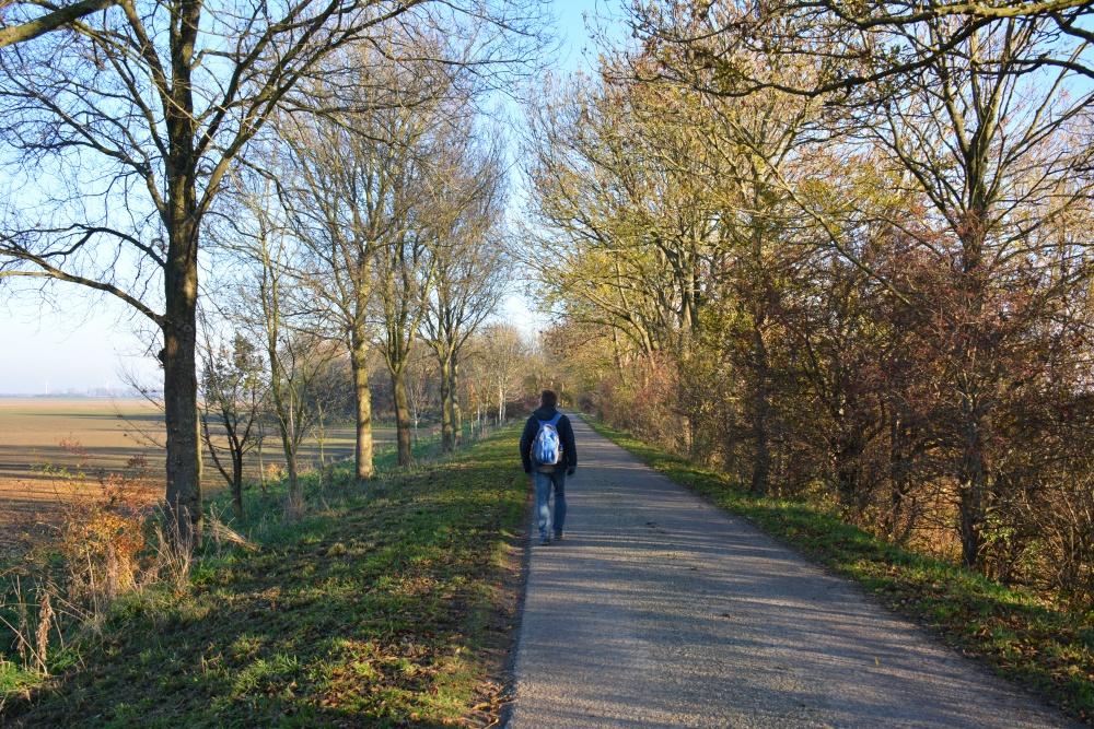Zuiderwaterlinie wandelpad dijkpad door de polder