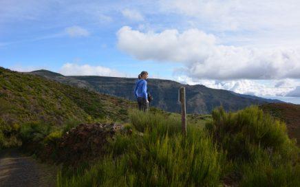 wandelen op Madeira fris maar zonnig op het plateau van Paúl da Serra
