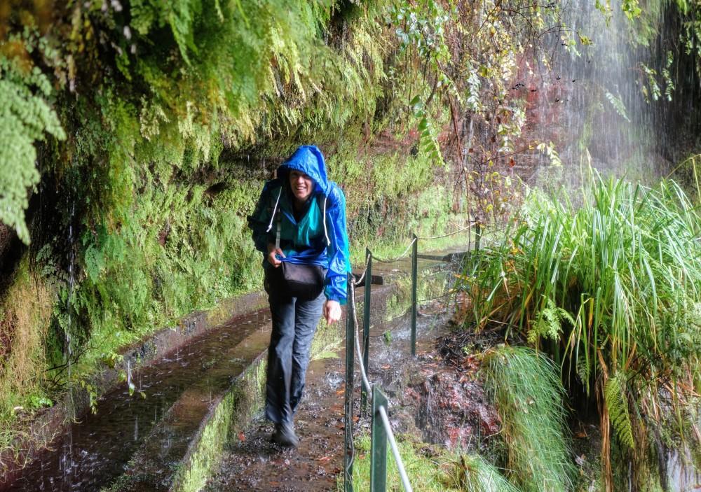wandelen op Madeira natte boel op de Levada do rei