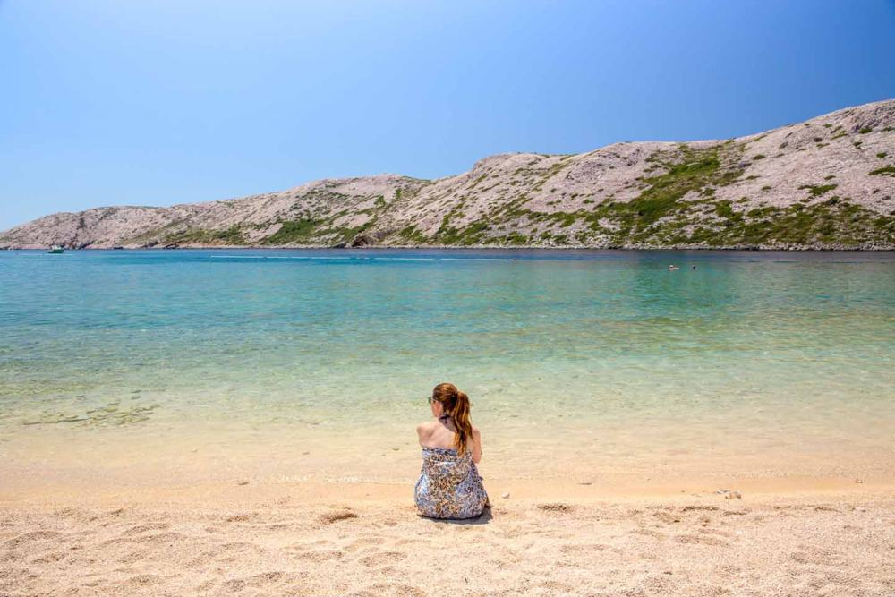 De leukste eilanden van Europa het strand van Rab Kroatië