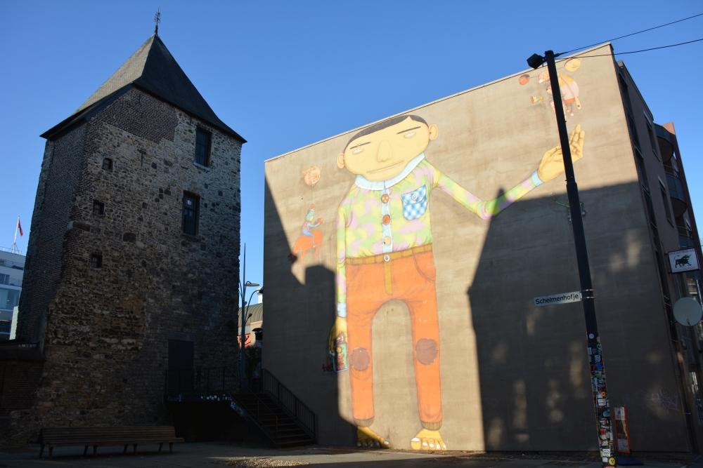 Street Art Heerlen werk van Os Gemeos bij Schelmenhofje