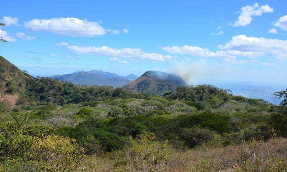 brand tijdens de hike op de Telica vulkaan Nicaragua
