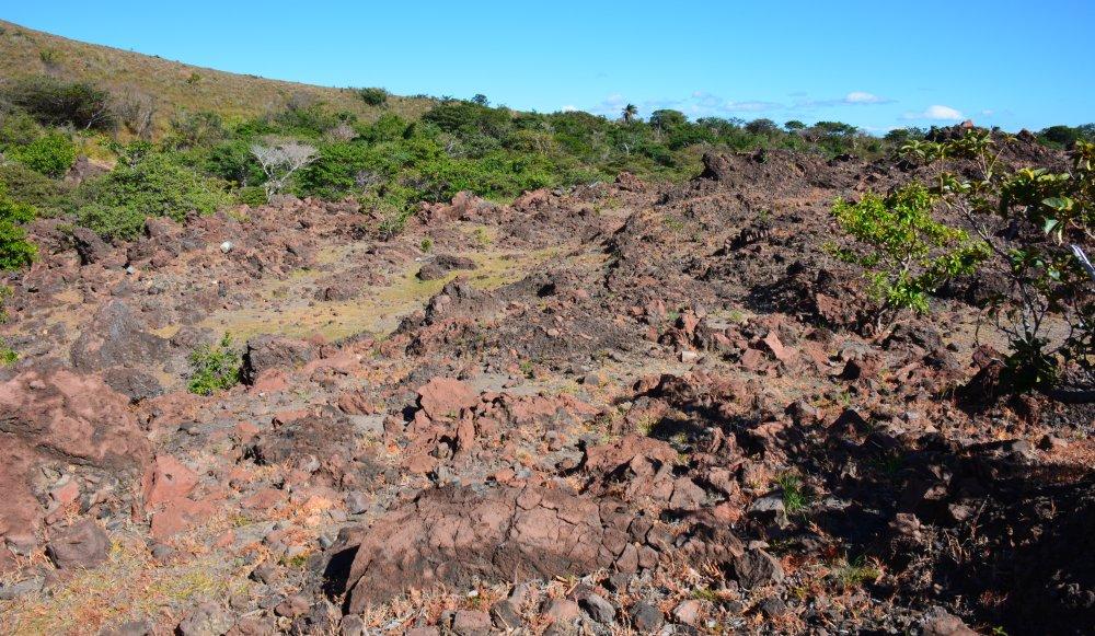 gestolde lava op hike op de Telica vulkaan Nicaragua