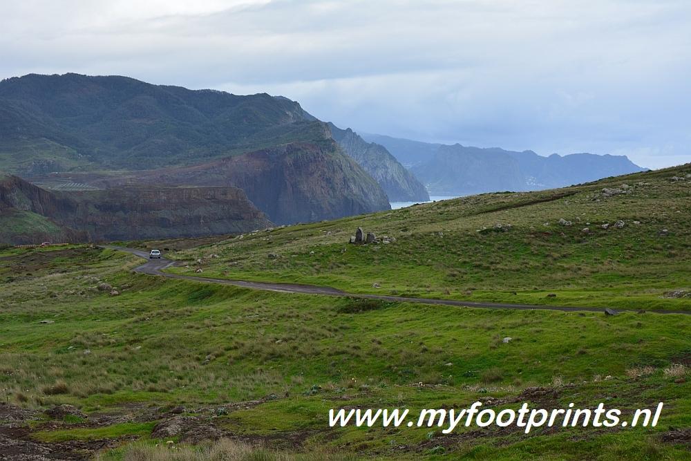 wandelen op Madeira eindeloze vlaktes en kliffen foto van de maand