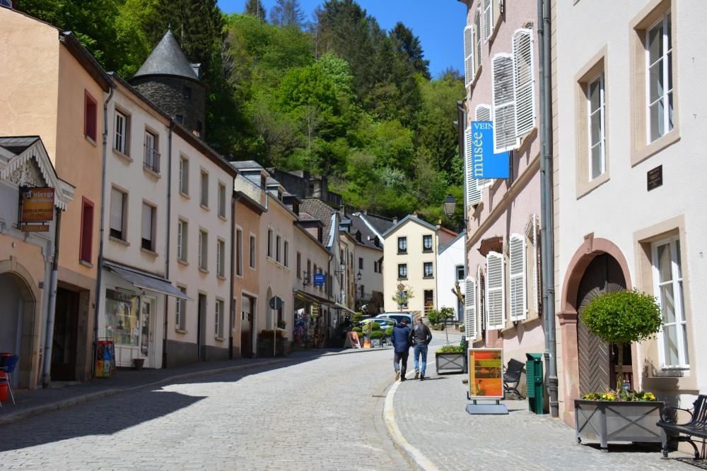 Straatbeeld Vianden Luxemburg