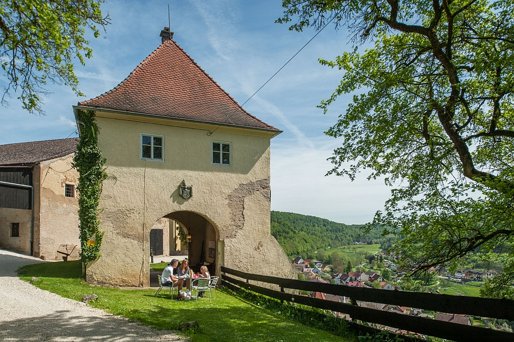 Poorttoren Schloss Möhren Beieren emigreren naar Duitsland