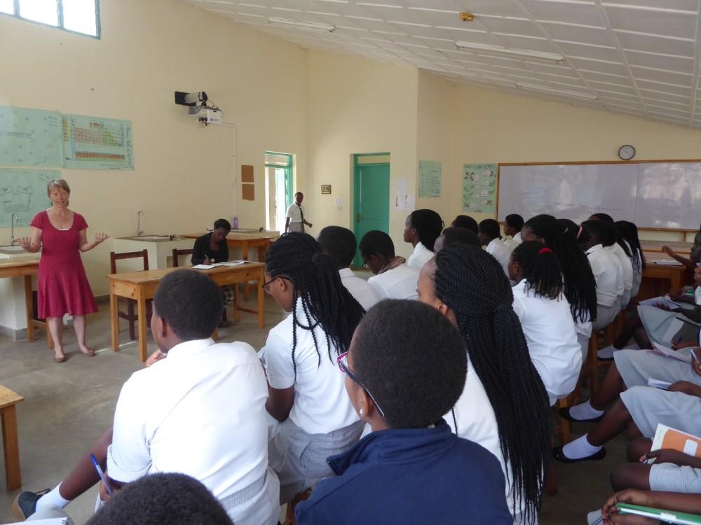 lesgeven middelbare school Rwanda via VSO