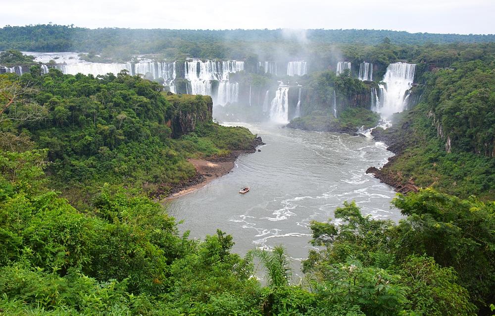 Uitzichtspunt Iguazu watervallen met bootje