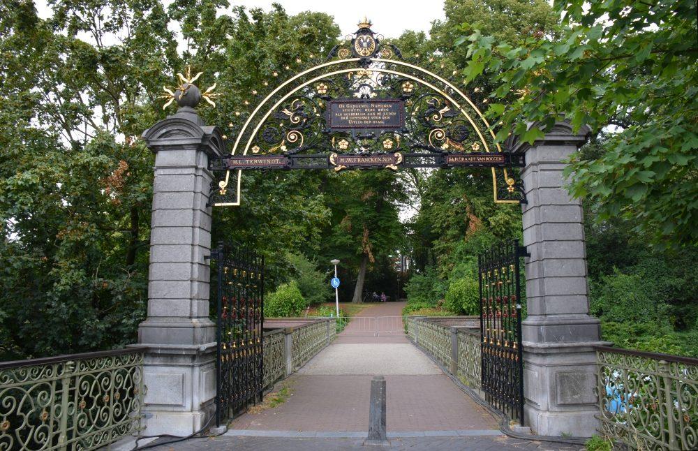 toegangshek Valkhof stadswandeling centrum Nijmegen