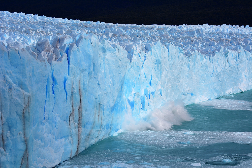 afbrekend ijs op de Perito Moreno gletsjer Patagonia