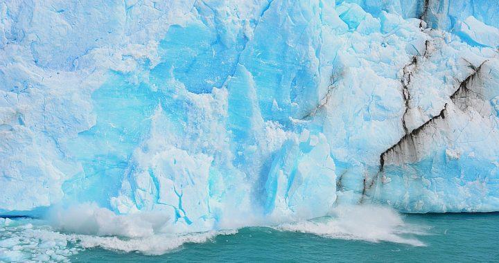 afbrekende ijschotsen Perito Moreno gletsjer Patagonië