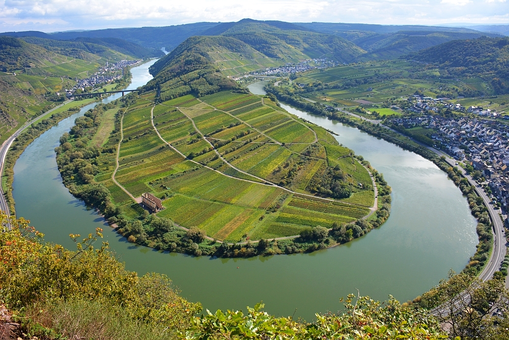 Mooiste uitzicht Moezel vanaf Gipfelkreutz Calmont aan de Moselsteig