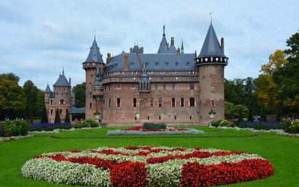 vooraanzicht kasteel de Haar in Haarzuilens
