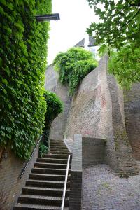 Oude stadsmuur in centrum Nijmegen